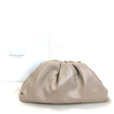 BOTTEGA VENETA THE POUCH FRAME CLUTCH BEJ