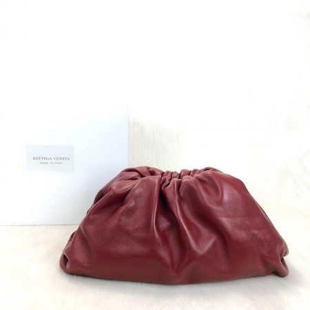 BOTTEGA VENETA THE POUCH FRAME CLUTCH BORDO