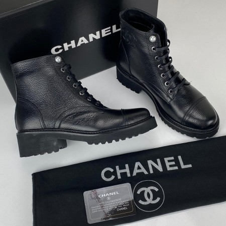 CHANEL GRAİNED CALFSKİN CC ANKLE BOOTS SİYAH