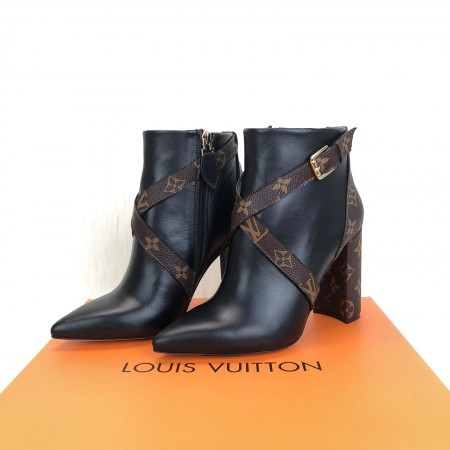 LOUİS VUİTTON MATCHMAKE LOW ANKLE BOOTS